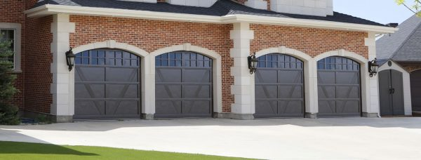 home with 2 garages
