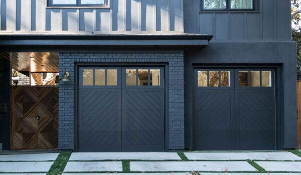 Black minimalist house