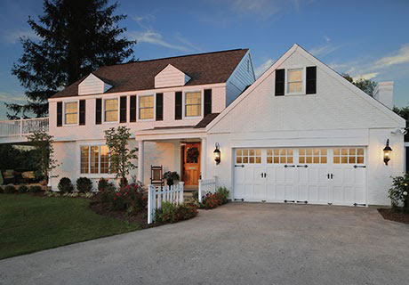 house with large garage space