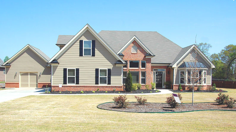 house with huge front yard