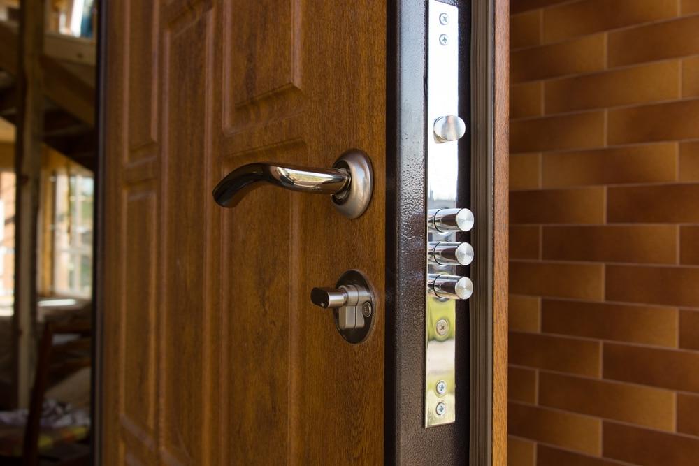 security doors vs. screen doors
